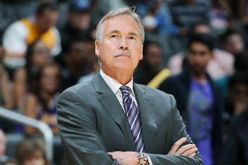 Mike d'Antoni (c) Andrew D.Bernstein - Getty Images