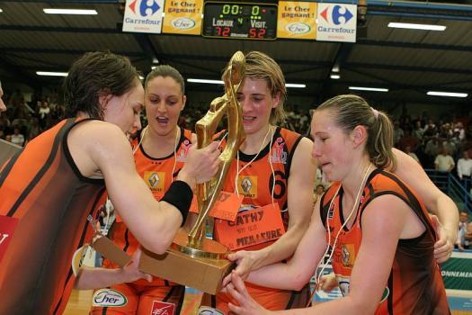 Cathy Melain - championne de de France 2009 (c) women basketball in France