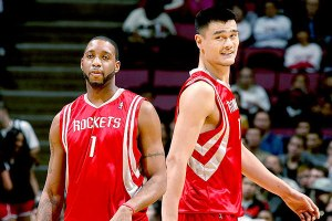 Le duo Yao Ming - Tracy Mcgrady aux Rockets (c) Nathaniel S Butler - Getty Images - NBAE