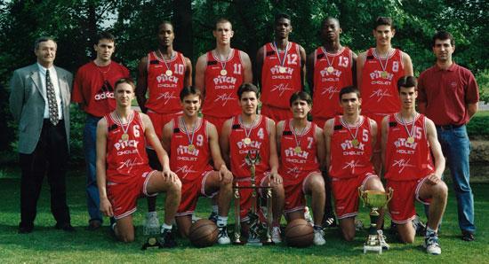 Aymeric Jeanneau avec les Cadets-94-95 de Cholet basket (c) Cholet Basket com