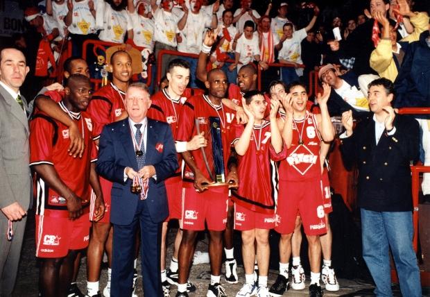 Aymeric Jeanneau, vainqueur Coupe de France en 1998 avec Cholet (c) cholet basket.com