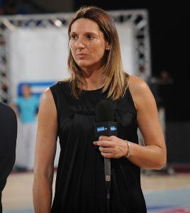 Audrey Sauret avec le micro Sport+ (c) Bellenger-Allée-IS-FFBB