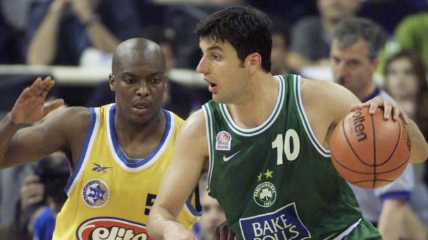 Bodiroga face au Maccabi en Euroligue (c) Reuters