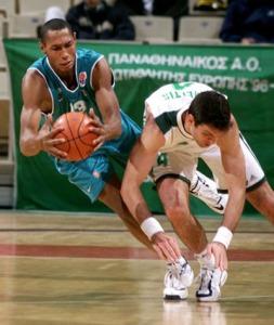 Boris Diaw, sous le maillot de Pau-Orthez, a été excellent dans le match 3 de la finale de Pro A (c) eurobasket.8m.com