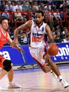 Stéphane Risacher en quart de finale de l'EuroBasket face à la Turquie (c) Fibaeurope