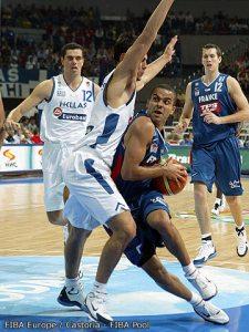 Tony Parker, meilleur marqueur des bleus avec 20 points contre la Grèce en 2005 (c) Fiba Europe - Castoria - Fiba Pool