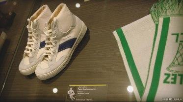 """exposition """"La balle au rebond"""" - chaussures Alain Gilles"""
