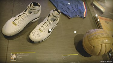 """exposition """"La balle au rebond"""" - chaussures Tony Parker"""