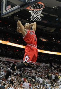 Derrick Rose au dunk - Chicago Bulls (c) Mike Ehrmann - Getty Images