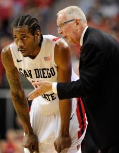 Kawhi Leonard avec son coach Steve Fisher à San Diego (c) Ethan Miller - Getty Images North America