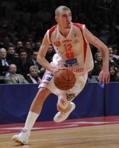 Nando De Colo au dribble (c) cholet-basket.com