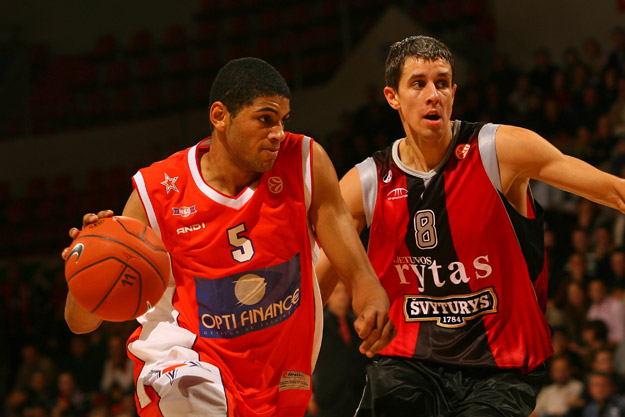 Nicolas Batum en Euroligue avec le MSB face au Lietuvos Rytas (c) basketactucom