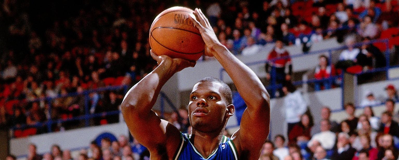 Jamal Mashburn – Dallas Mavericks (c) Brian Drake NBAE via GettyImages