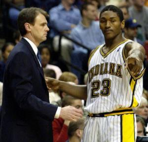 Ron Artest avec son coach des Pacers Rick Carlisle en decembre 2003 (c) DR