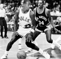 Jordan contre les Spurs @ Chicago Tribune