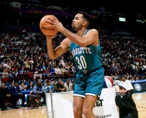 Dell Curry aux tirs - Charlotte Hornets (c) Getty