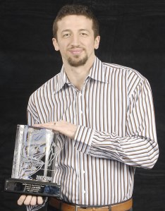 Hedo Turkoglu MIP 2007-2008 (c) Gary Bassing - NBAE - Getty Images