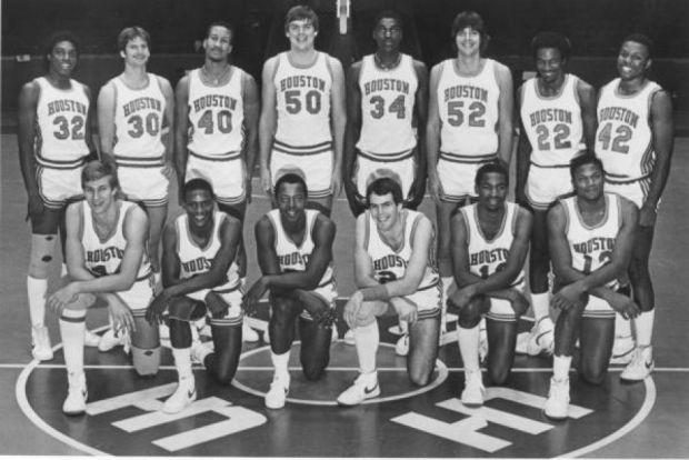 Michael Young et ses coéquipiers des Houston Cougars (c) University of Houston