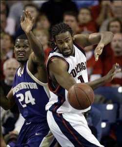 Ronny Turiaf - Gonzaga (c) Jeff T. Green - AP Photo