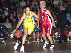Allison Feaster-Strong au dribble - USVO (c) Fiba Europe