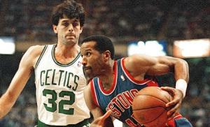 Kevin Mchale vs Adrian Dantley lors de Celtics-Pistons (c) DR