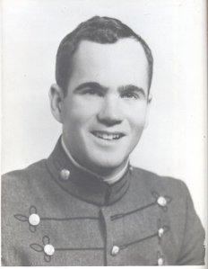 Pat Conroy sous l'uniforme de l'académie militaire de Citadel.
