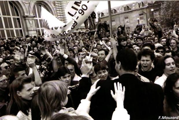 Avril 1993, Limoges fête les vainqueurs de la Coupe des Clubs Champions (photo Fabrice Mouzard).