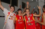 Ricky Rubio qui fête la victoire à l'Eurobasket U16 avec l'Espagne (c) Fiba