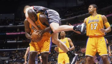 Lakers - Nets NBA Finals 2002 G1