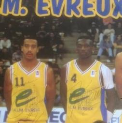 Jean-Marc Kraidy aux côtés de Bruce Bowen à Evreux en 1994-1995.