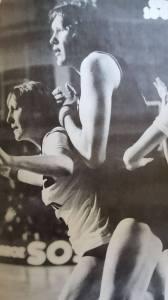 L'une des demoiselles de Clermont, Elisabeth Riffiod à la lutte avec Ouliana Semenova.