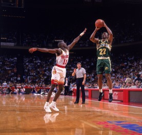 81420076-seattle-supersonics-ricky-pierce-1993-nba-western-conference-semifinals.jpg