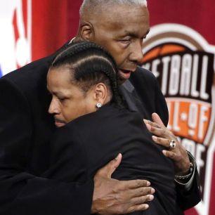 Allen Iverson - John Thompson au Hall Of Fame en septembre 2016 20 ans après leur collaboration à Georgetown (c) Twitter NBA Usa Today