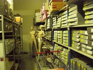 Couloir d'archives - cartons photos & autres documents